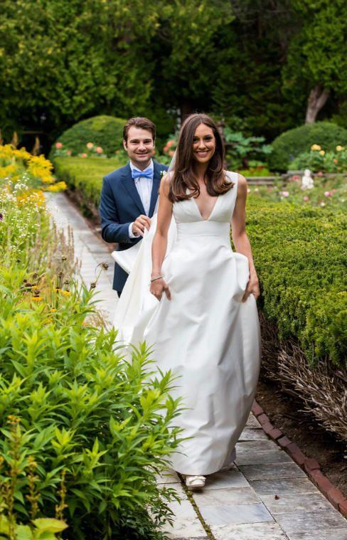 Carolina Herrera Bride Lindsay Bateman In The Mason Gown Vogue Wedding Elegant Wedding Dress Classic Wedding Dress