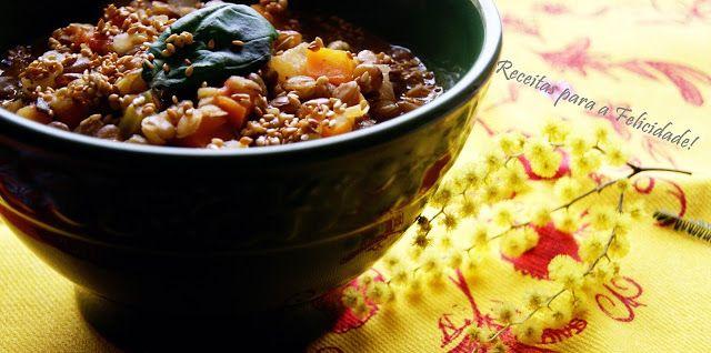 Lentil soup and vegetables.  Sopa de Lentilhas e Legumes com Sementes de Sésamo e Cardamomo
