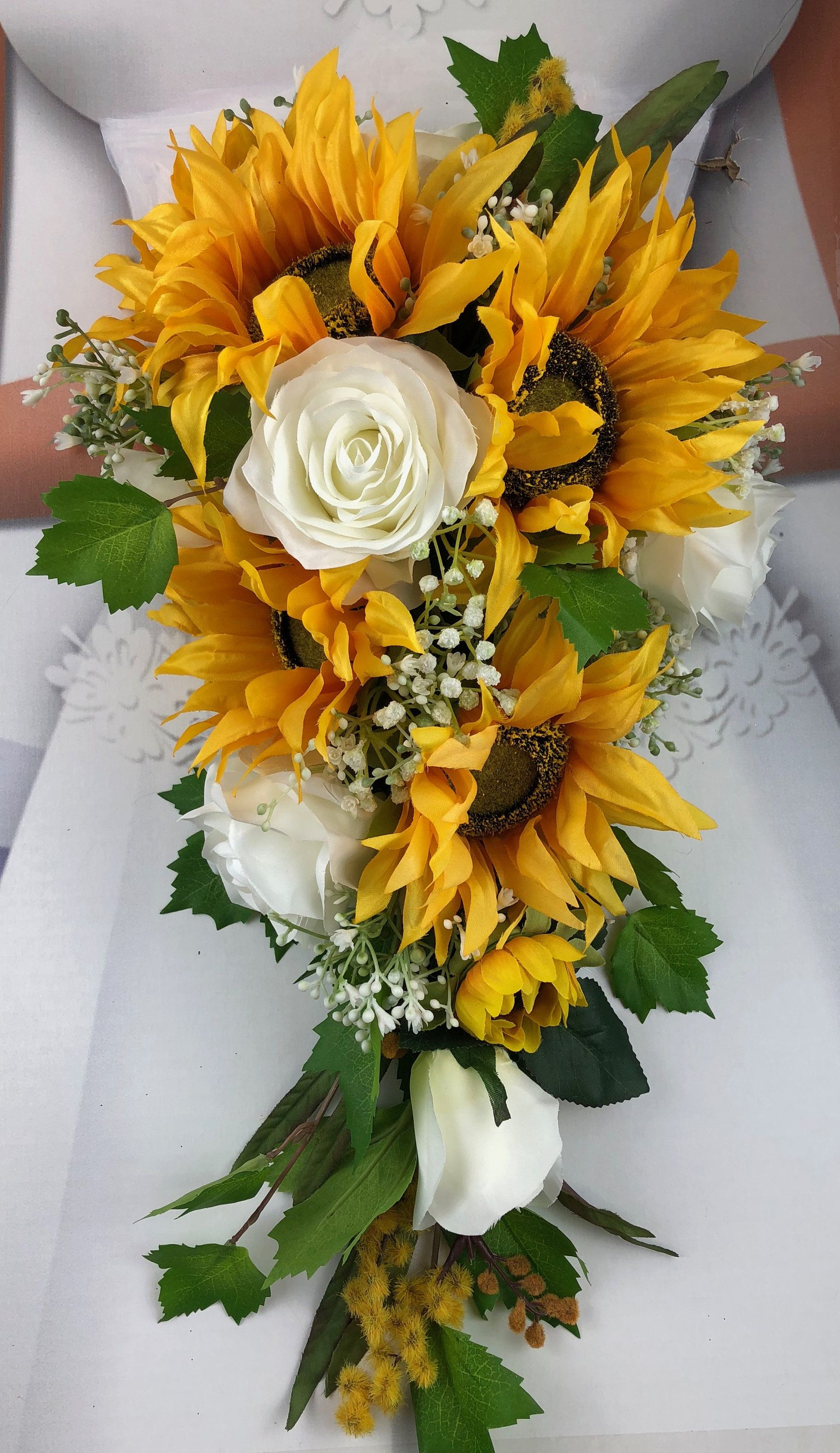 How To Make A Cascading Sunflower Bridal Bouquet Google Search Sunflower Bridal Bouquet Wedding Flowers Sunflowers Sunflower Wedding