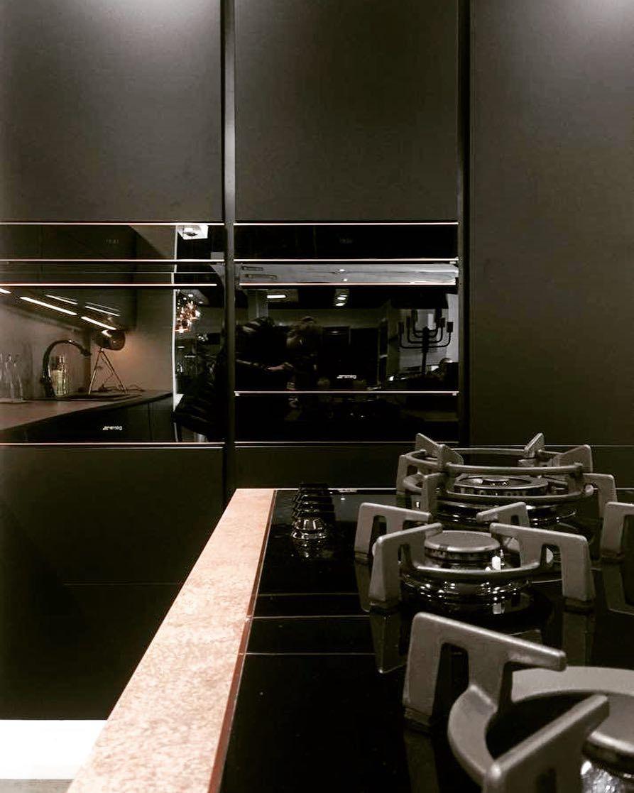 Rozeta Handmade Metamorfoza Kuchni Nowa Kuchnia Tanim Kosztem Czyli Jak Odmienic Kitchen Cabinets Before And After Kitchen Cabinets Living Room Decor Cozy