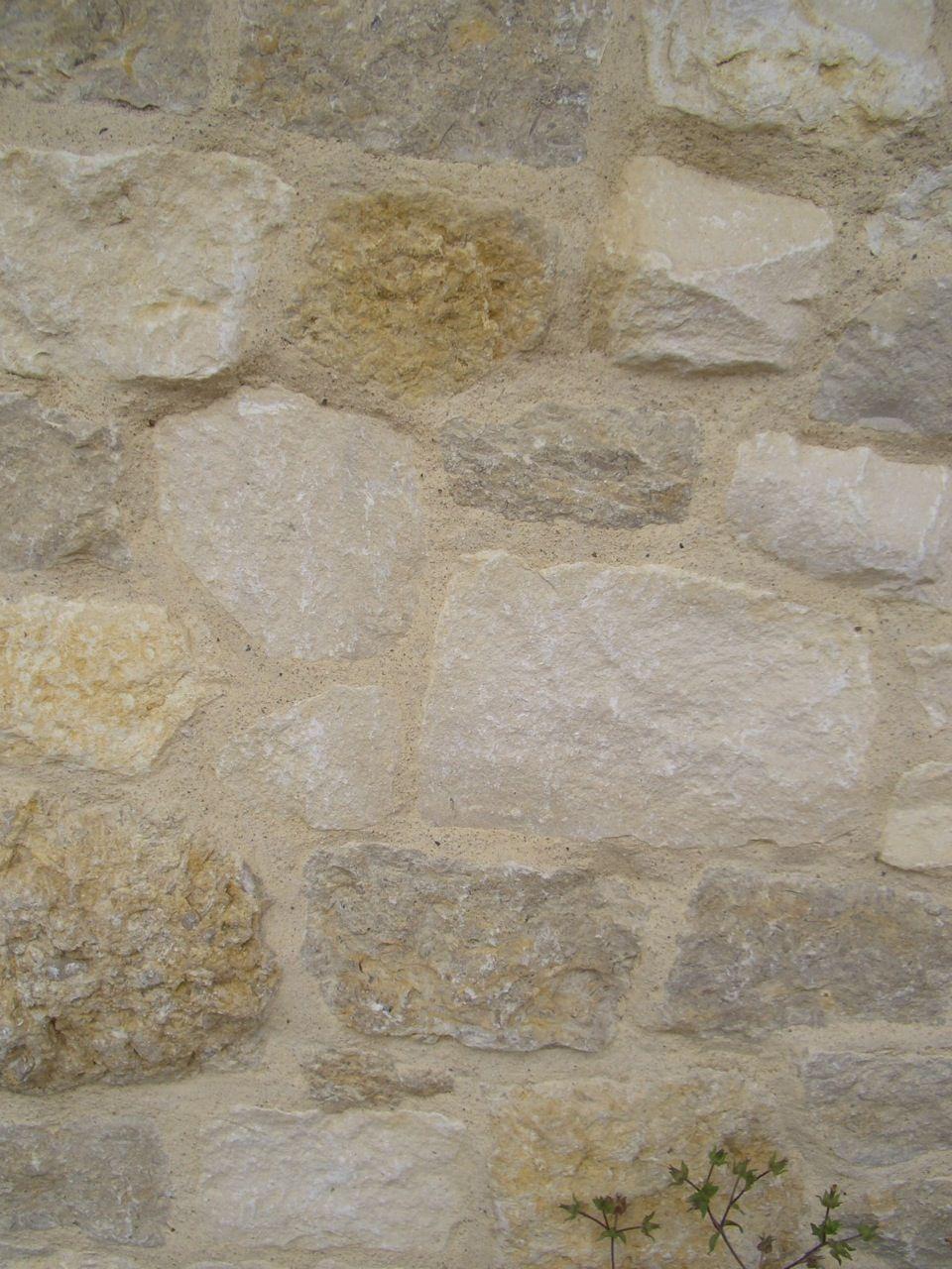 overgrouted stonefrom velvet and linen. | i'm in the garden
