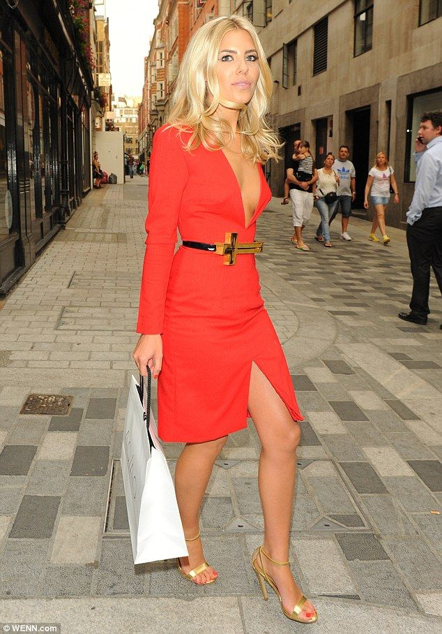df4b5255c1c4c Thank goodness I've discovered heels!' Blonde beauty Mollie King ...