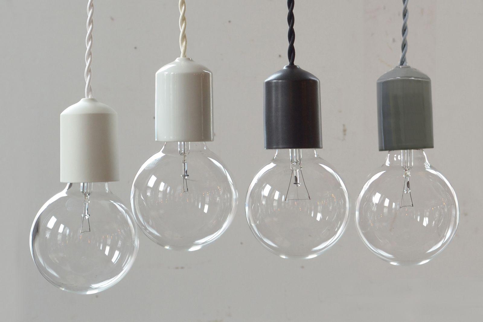 ソケットの素材にこだわった裸電球照明 ラインナップは陶器 桜の木