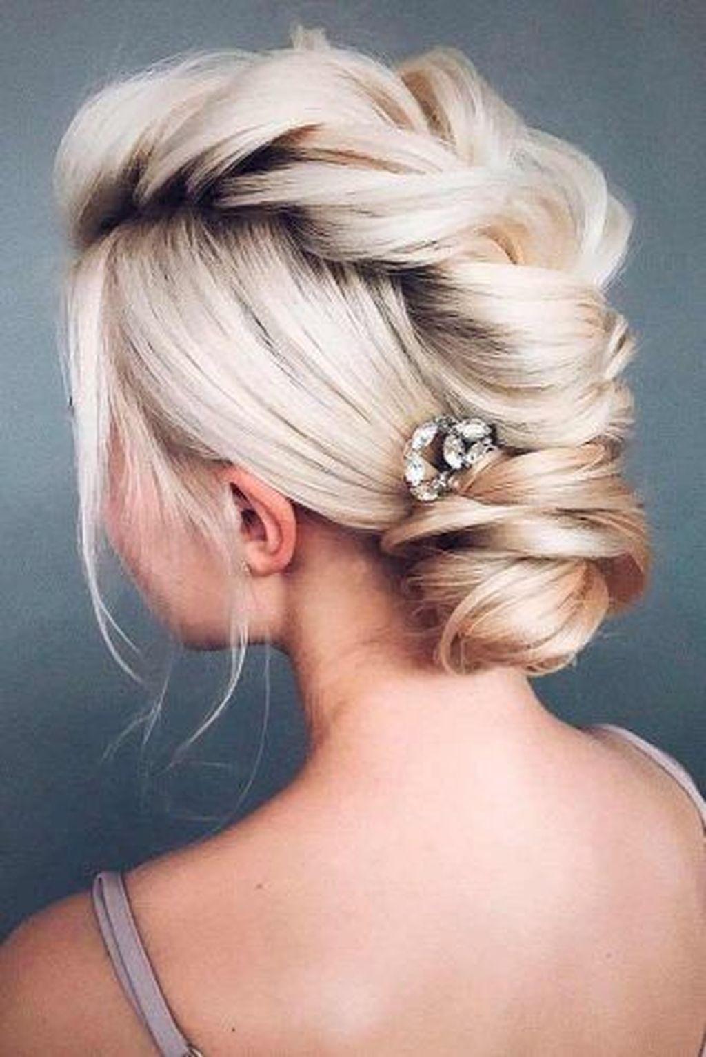 36 Beautiful Prom Hairstyle Ideas | Medium hair styles, Wedding hairstyles for medium hair, Long ...