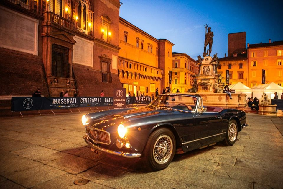 Day 0 Photoshoot In Piazza Del Nettuno With The Iconic Trident