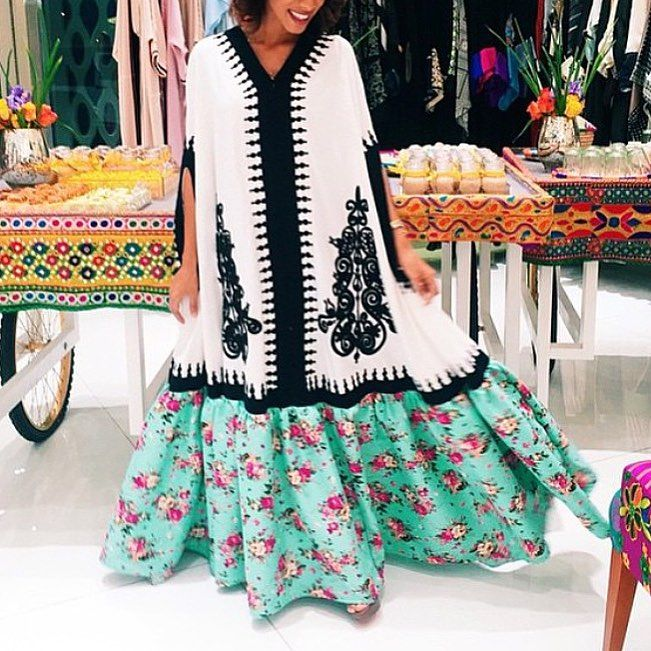 "Saudi Blogger on Instagram: ""غريبة شرايكم؟ #ramadan #jalabya #daraa  #abeerdaily""   Arab fashion, African fashion, Fashion line"