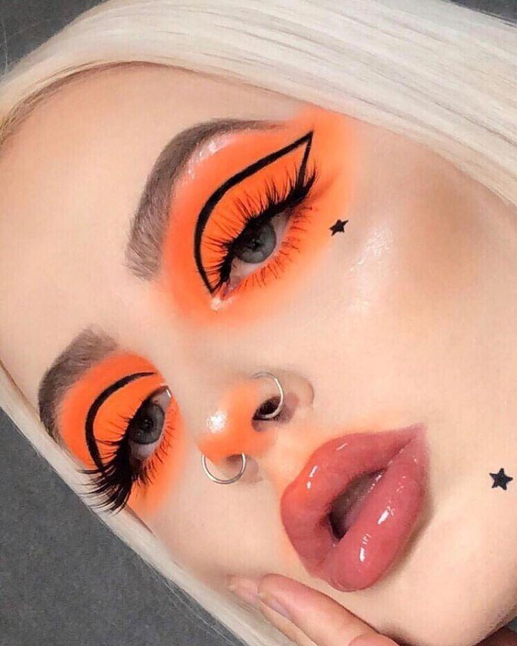 Pin By Mikayla Plummer On Eye Makeup Creative Makeup Aesthetic