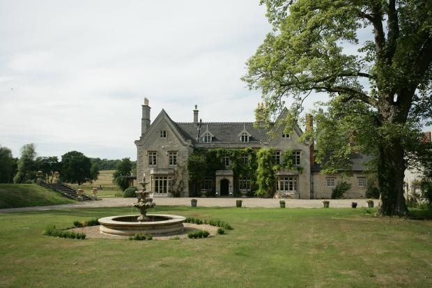 Pipewell Kettering Northamptonshire 8 Bed House 163