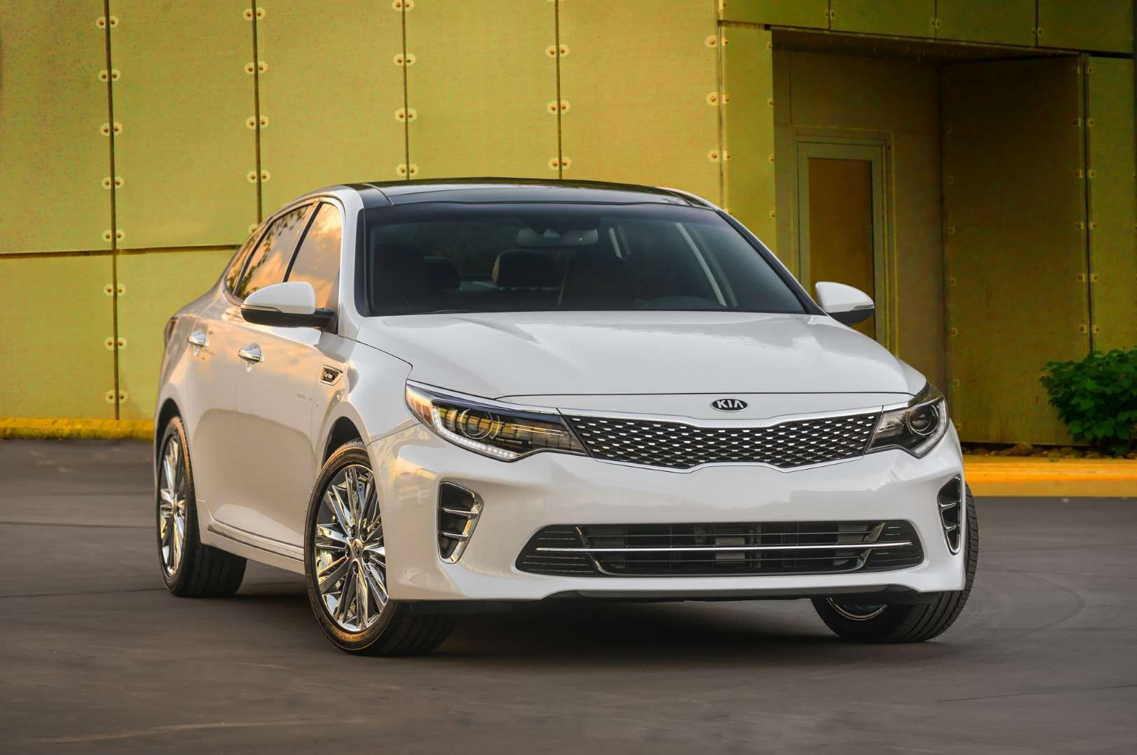 2016 Kia Optima SXL Provided by Automobile Kia motors, Kia
