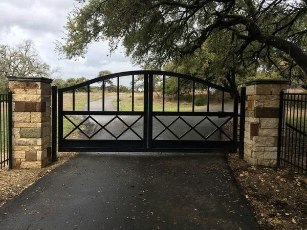 Pin By Anand On Gate Driveway Gate Ranch Fencing Farm Gate