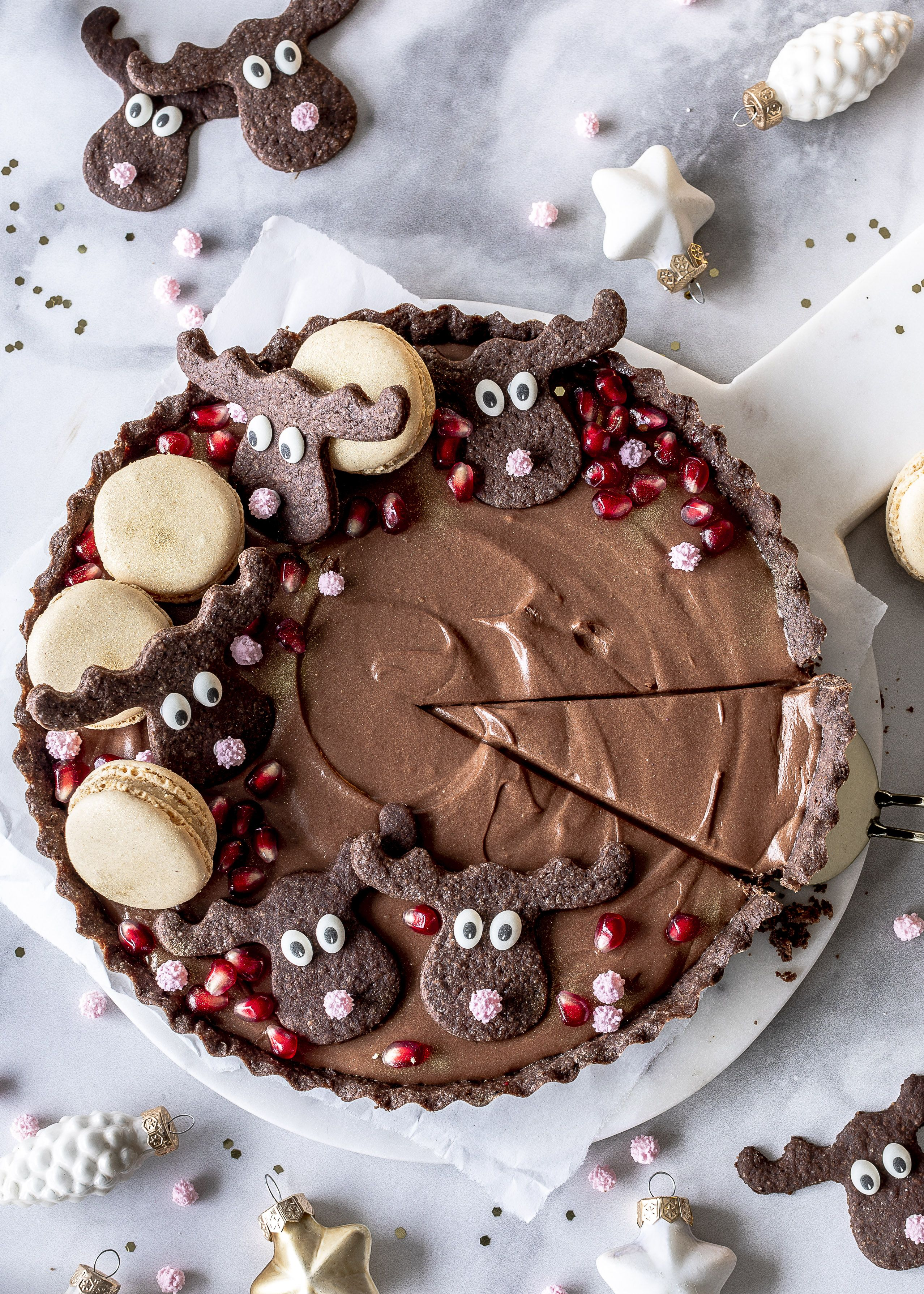 Photo of Gingerbread chocolate tart recipe with wild cranberries