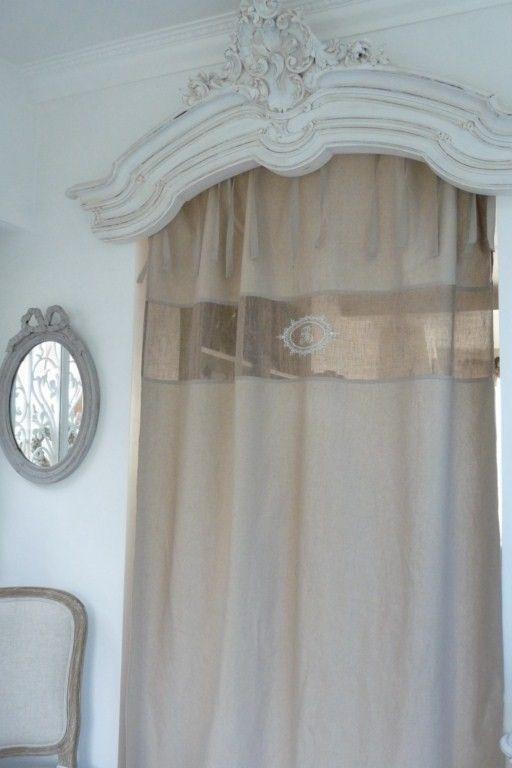 rideau calypso beige rideau nouettes beige en lin et coton une grande bande avec monogrammes. Black Bedroom Furniture Sets. Home Design Ideas