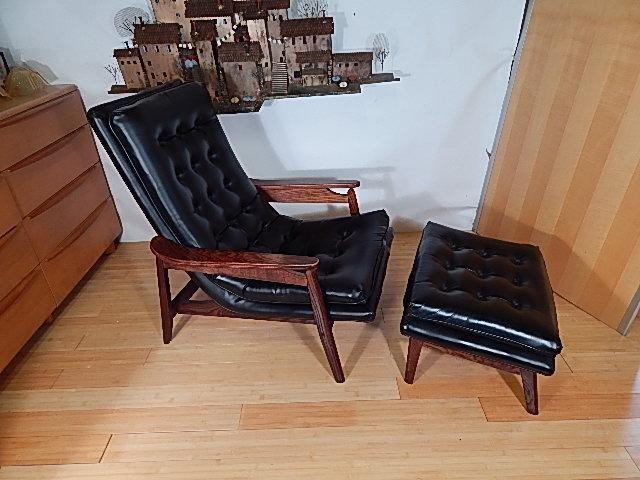 PAIR Adrian Pearsall Walnut Lounge chair Mid century Danish Modern ...