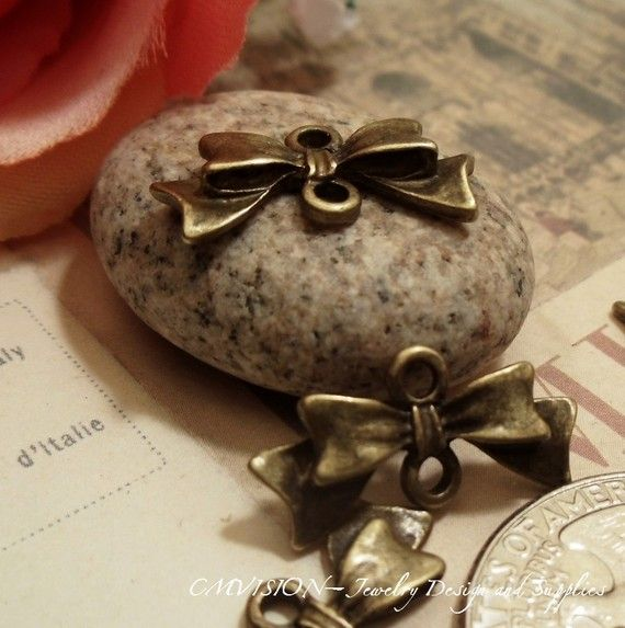 10pcs Antique Bronze Lovely Bow Jewelry Connector Two by CMVision