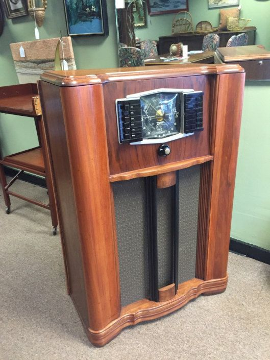 Repurposed vintage radio bar cabinet by AgentUpcycle | Great ideas ...