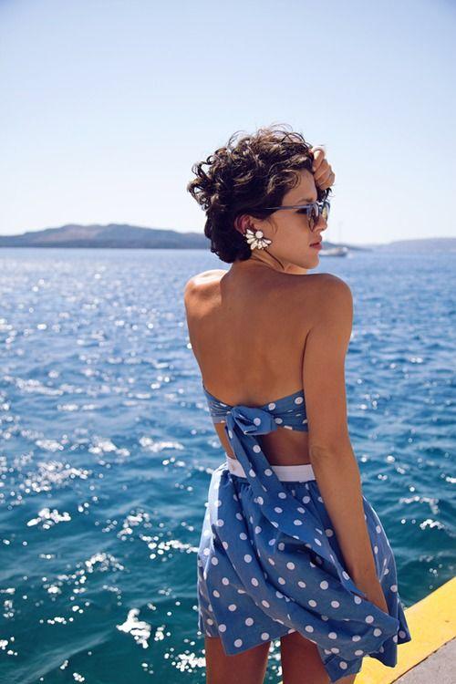 La mer et les robes à pois