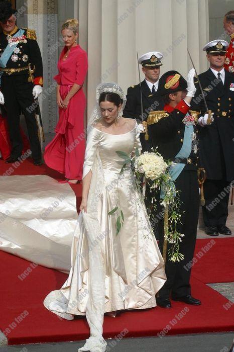 Face To Face Konigliche Hochzeitskleider Braut Kronprinzessin Mary