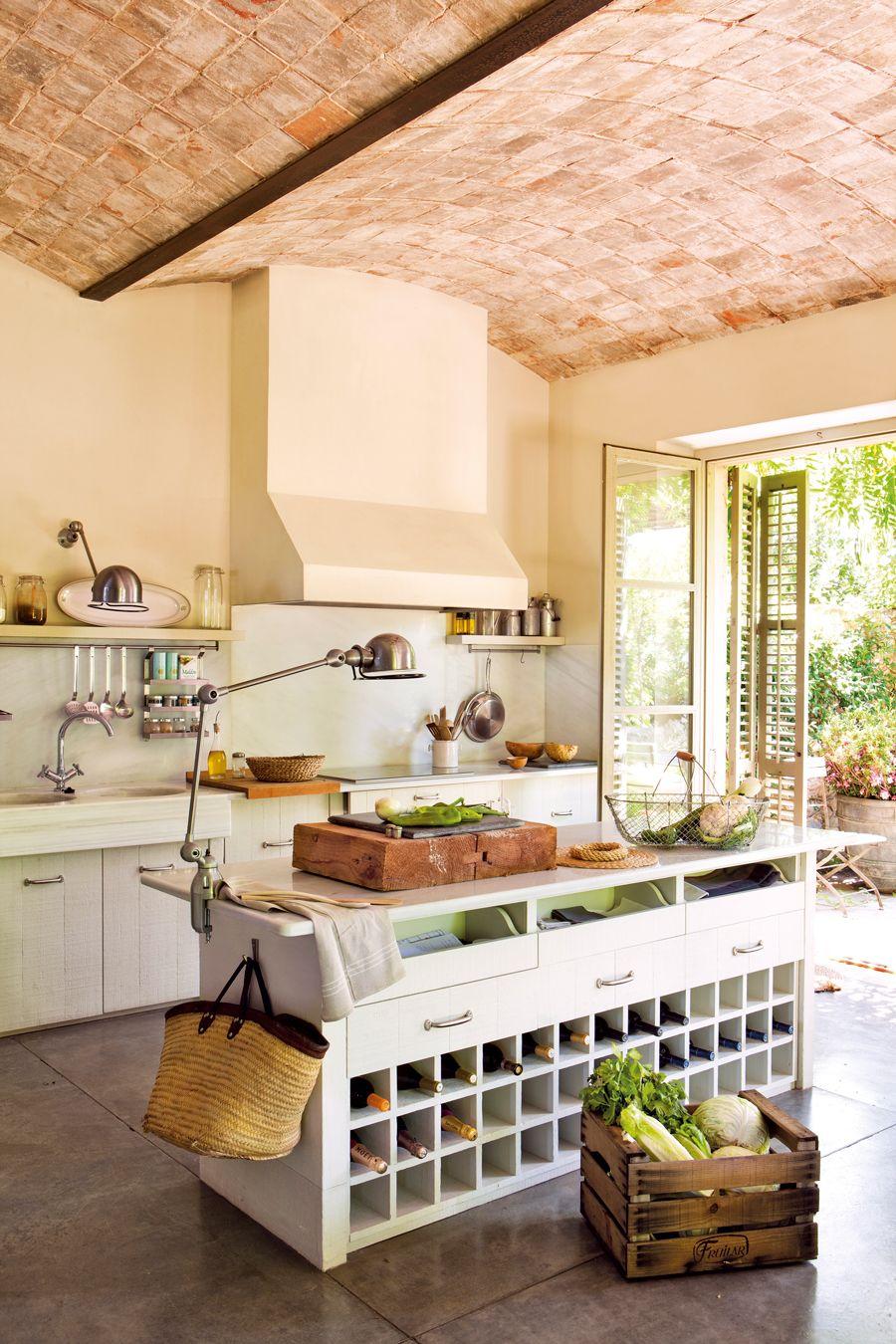 En color verde en 2019 cocinas amplias cocinas r sticas cocinas y decoraci n de cocina - Cocinas de obra rusticas ...