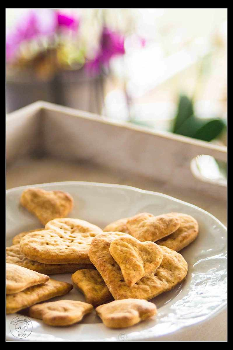 Do you need a special touch for your Valentine's Day dinner? These very versatile crackers, can be used as decoration for your tables, can make a great addition to soups, as base for appetiz…