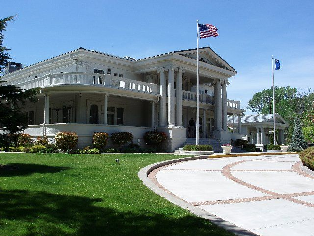 Nevada Governor S Mansion Built In 1909 Carson City Nv So Pretty Carson City Mansions Nevada