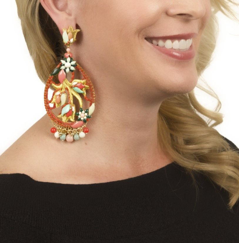 Coral and Golden Thread Pendant Earrings by DUBLOS #jewelry #jjcaprices #followyourcaprice