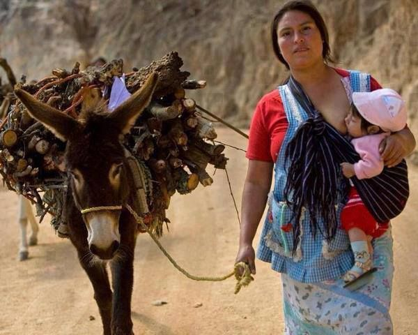 The everyday life of many Mexican women, not frightened of hard work. Brave women.