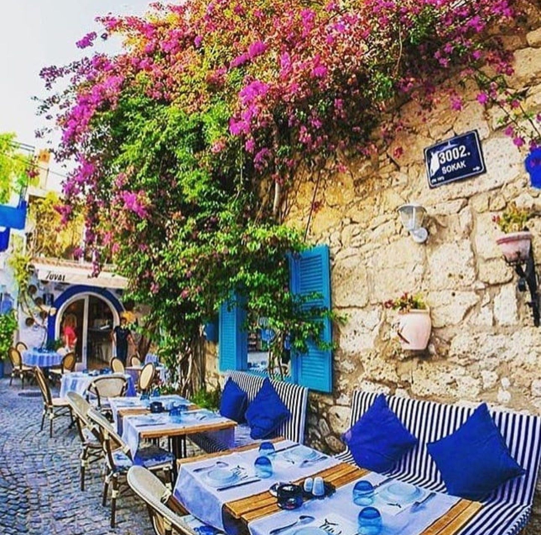 Pin By Rada K Sell On Gardens In 2020 Summer House Garden Restaurant Decor Patio