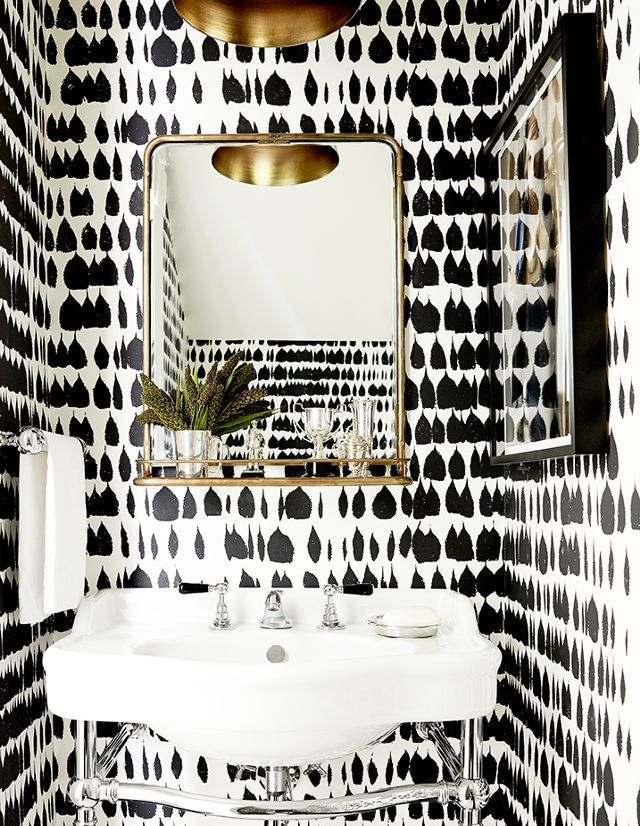 Schumacher Queen Of Spain Wallpaper Black 5005881 Priced And Sold By The Yard 8 Yard Minimum Order Must Order In Increments Of 8 Bathroom Wallpaper Bathrooms Remodel White Interior Design