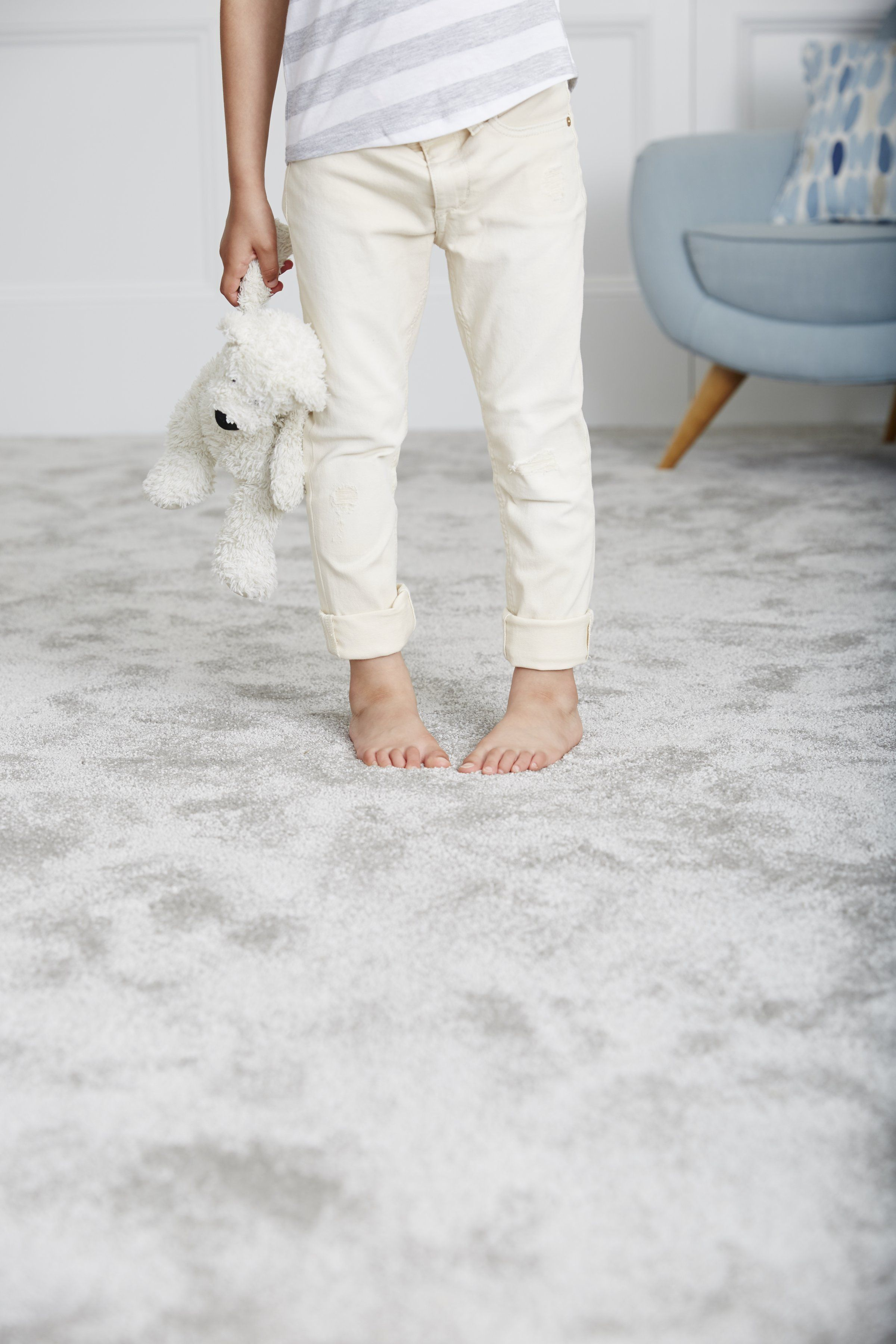 Ideal For Relaxing And Cosy Spaces Super Soft Deep Pile Carpets Have Instant Fashion Appeal They Of Durable Carpet Family Friendly Flooring Carpet