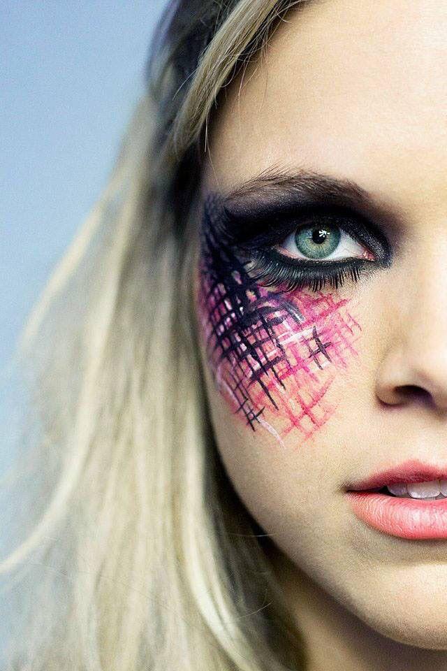 Facebook.com/artfulparadox  Makeup/hair by Karissa  Photo by Princess Chickadee
