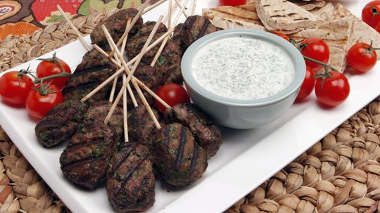 Beef koftas with pitas and minted yogurt recipes best recipes beef koftas with pitas and minted yogurt recipes best recipes ever finger food forumfinder Images