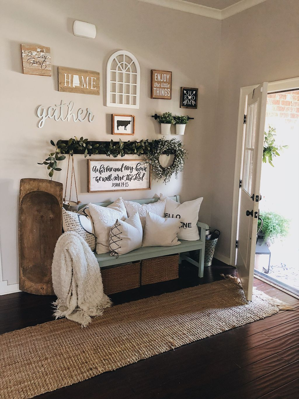20 Perfect Summer Entryway Ideas To Welcoming Your Guests Trenduhome Farm House Living Room Home Decor Home
