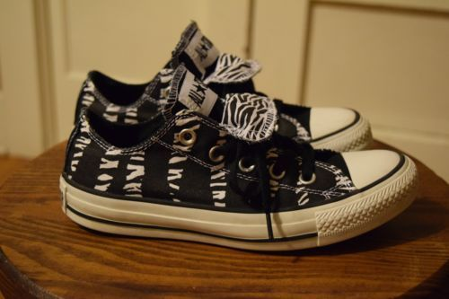 25d08c06fb8d Converse-All-Star-Chuck-Taylor-Double-Tongue-Zebra-Women-039-s-6-Low-Top- Shoes