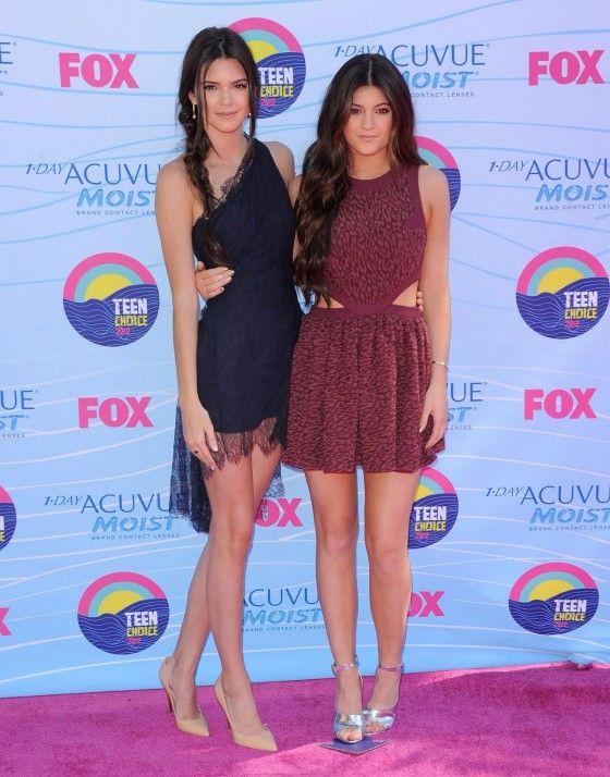 216fd5f62a Kendall and Kylie Jenner Bikini