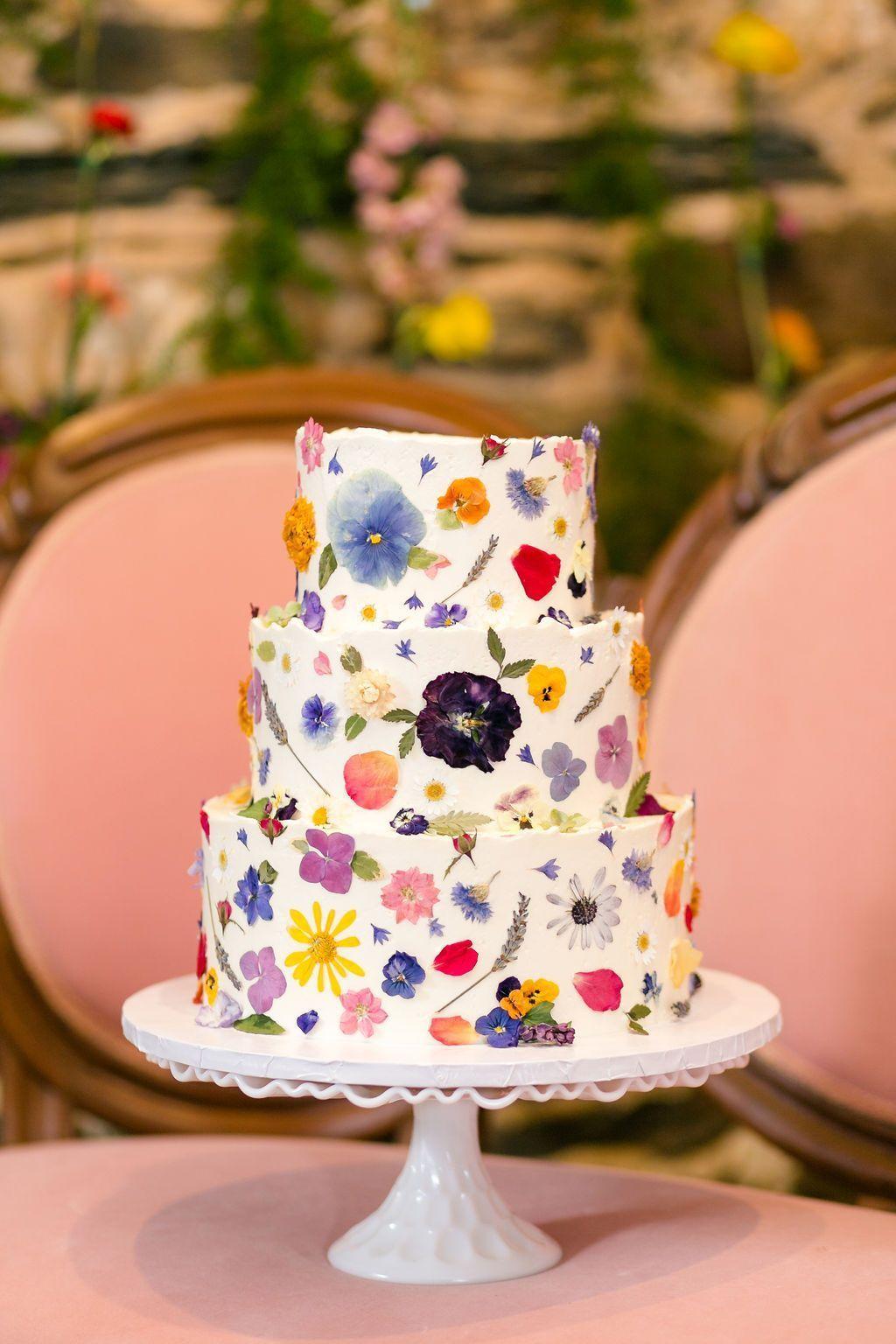 FUN & FLIRTY COLOURFUL FLORAL WEDDING IDEAS in 2020 (With
