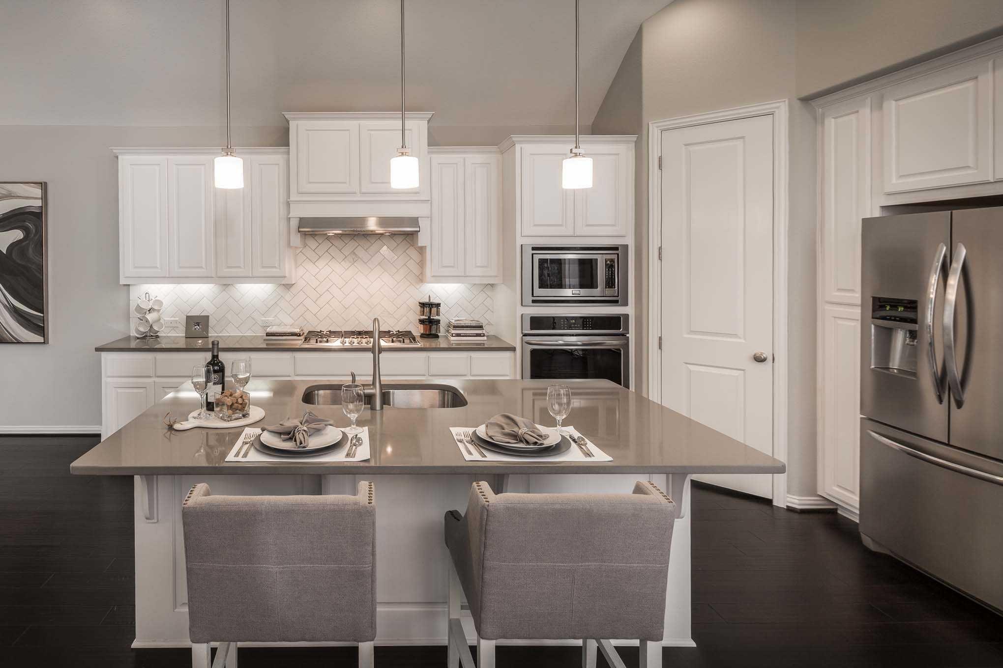 Highland Homes plan 204 Model Home in Austin Texas, Palmera Ridge ...