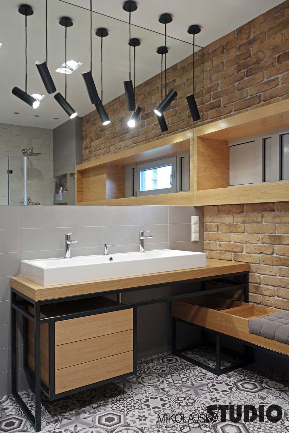 Lighting Basement Washroom Stairs: INDUSTRIALNA ŁAZIENKA