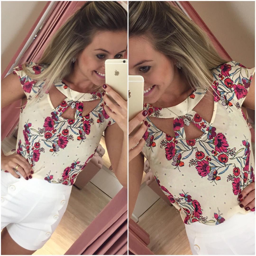 Bom dia meninas 💗🛍👏🏻 look lindo pra vocês! Nunca é demais essas blusinhas 😍😍😍 compre a sua pelo: 17 99662 7404 🔝🔝👏🏻