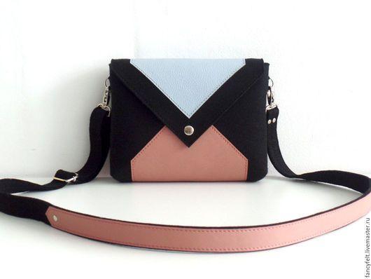 5214e330b98f Женские сумки ручной работы. Ярмарка Мастеров - ручная работа. Купить  Черная сумка через плечо из фетра и натуральной кожи. Handmade.