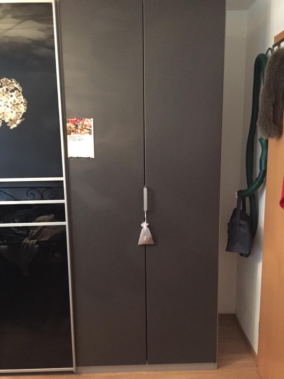 Beautiful Gebraucht Kleiderschrank grau wie neu in Leonberg um uac u Shpock