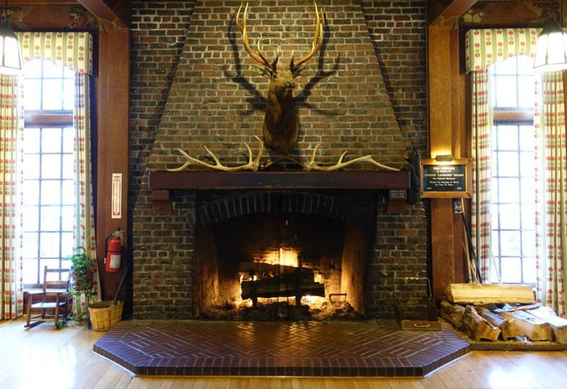wes anderson fireplace - Google Search | T2 | Pinterest | Wes ...