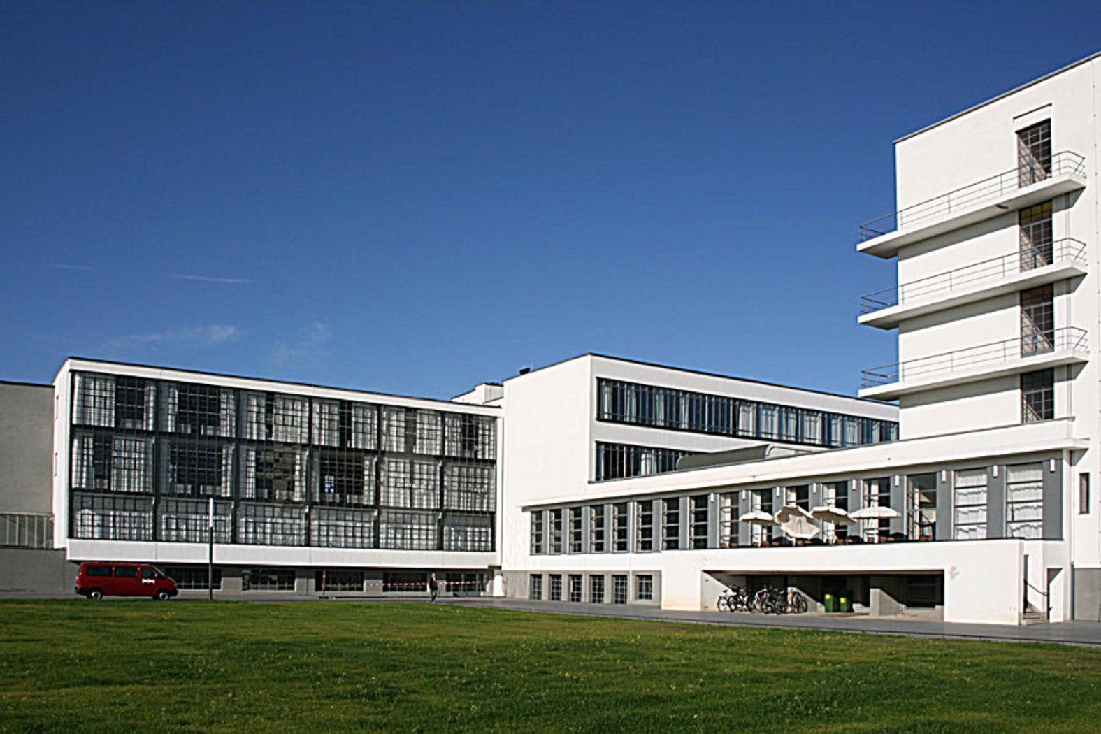 Walter Gropius Bauhaus Building Dessau, Germany 1925
