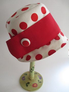 Lilly Dache vintage ivory with red coin dot cloche style hat with wide red band
