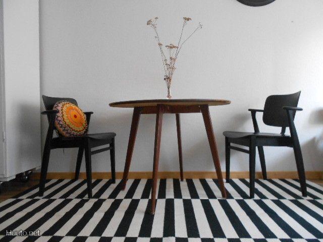 50-luvun teak pöytä / Teak table from the 50's