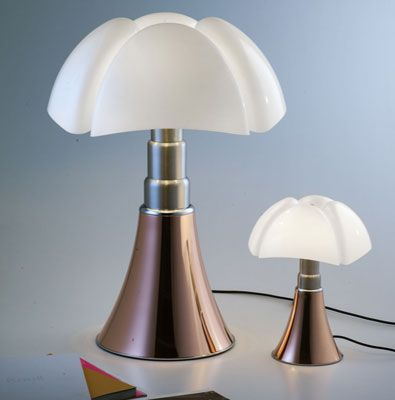 1960s Gae Aulenti-designed Martinelli Luce Pipistrello table lamp gets a copper finish
