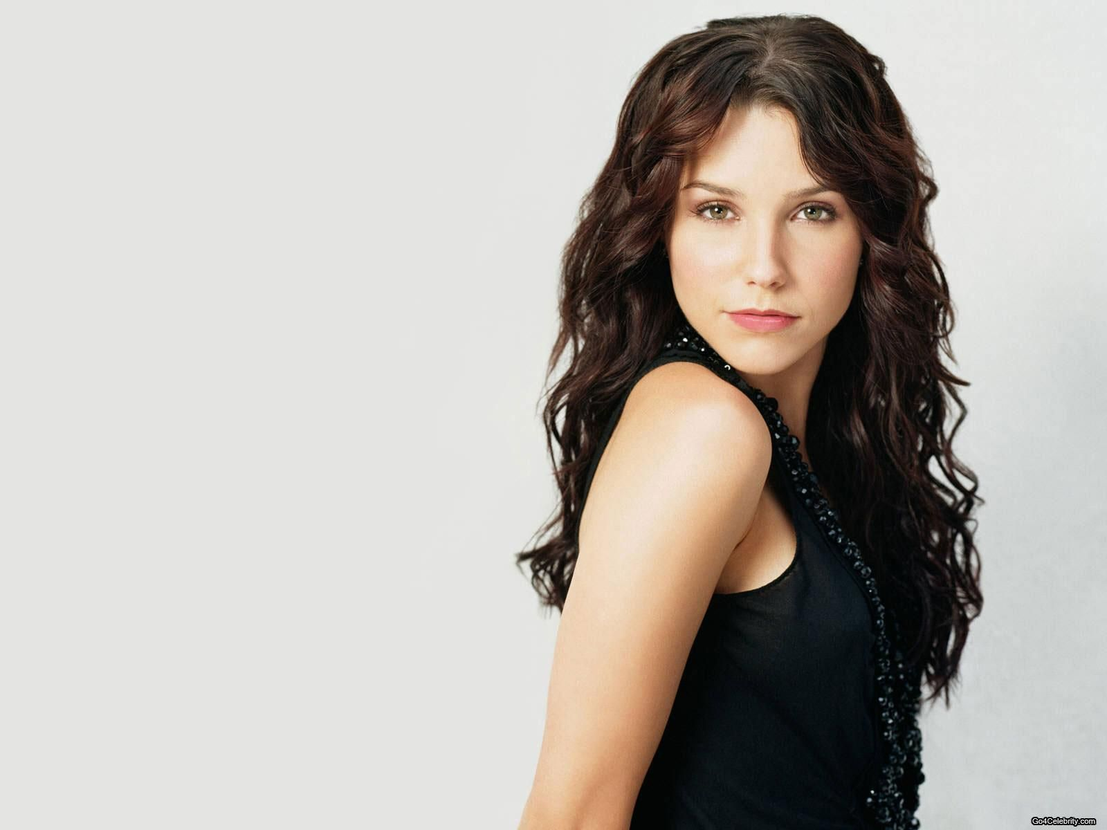 Sophia bush wallpapers high resolution and quality download d