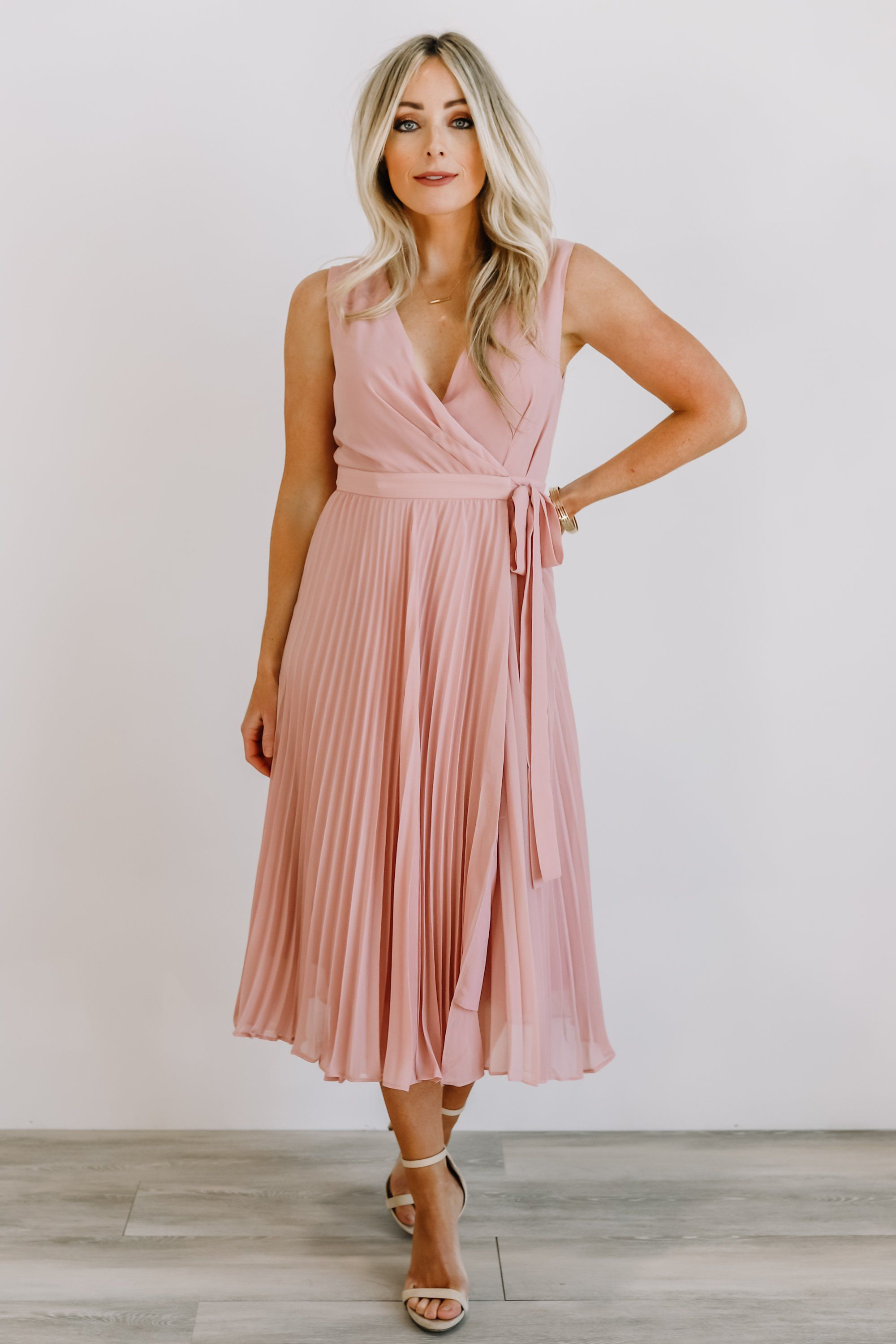 Features Wrap Style With Button Snap Closure And Self Tie At Left Side Of Waistpleated Skirt Thick Tank Top Styl Pleated Midi Dress Midi Dress Tank Top Fashion [ 3000 x 2000 Pixel ]