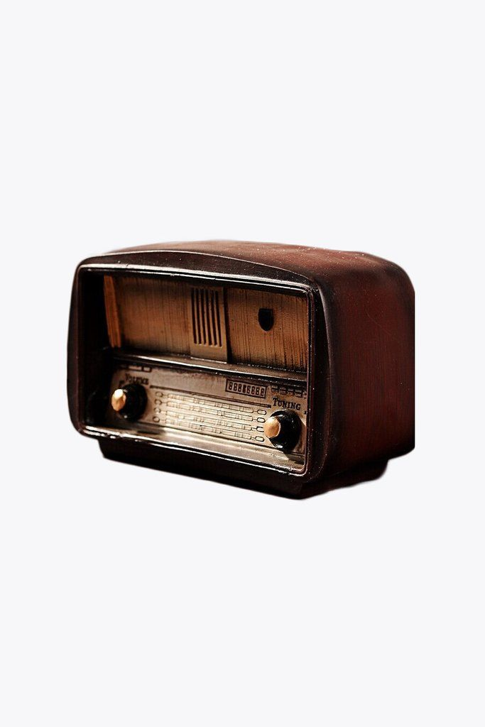 This Item Is Shipped In 48 Hours Including The Weekends This Vintage Style Wood Radio Will Look Amazing In Any Vintage Radio Vintage Room Decor Antique Radio