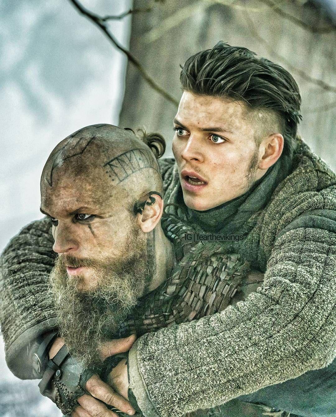 Ivar And Floki Vikings Vikings Ragnar Vikings Tv Show