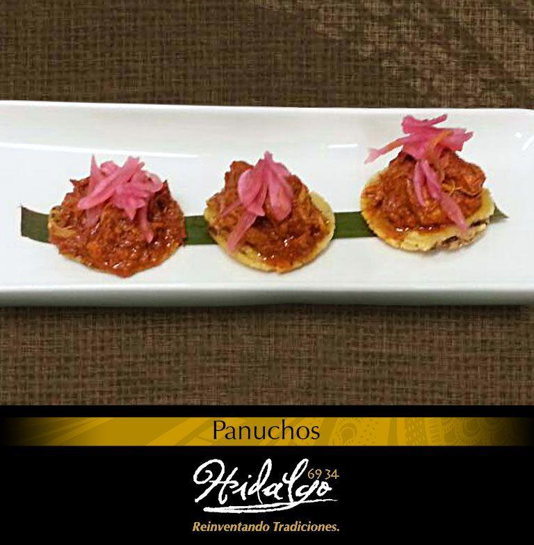 """""""Panuchos: De cochinita, acompañados con cebolla morada y chile habanero."""""""